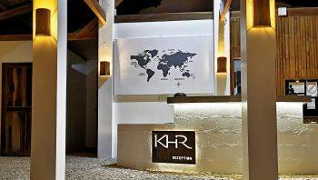 Hier heissen wir unsere Gäste willkommen im Kawayan Holiday Resort. Unsere offene, moderne und im lokalen Stil gehaltene Rezeption